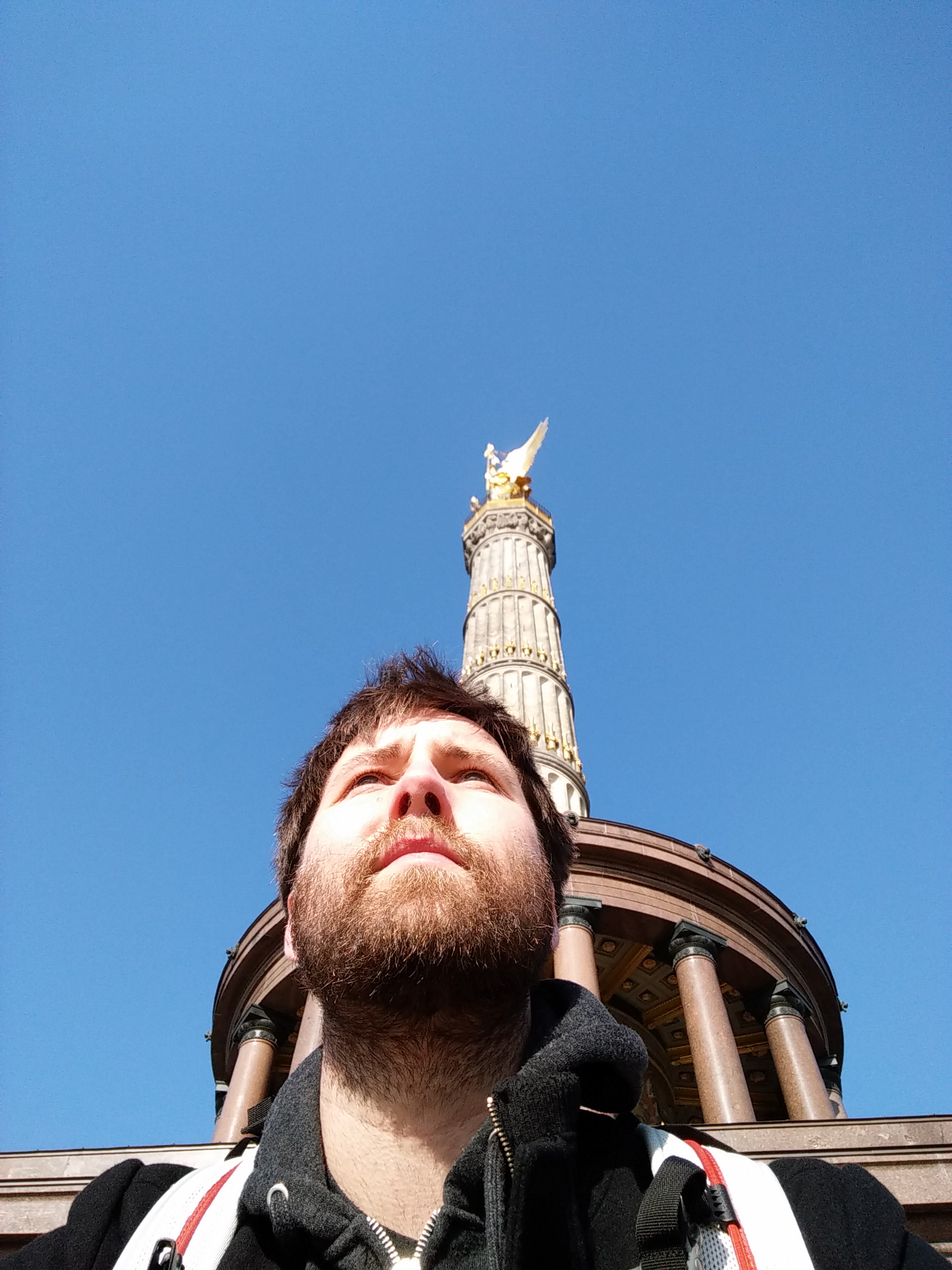selfie at victory column